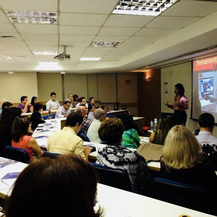 Aula na FGV para líderes em Saúde_ Desenvolvimento de Liderenças de Alta Performance